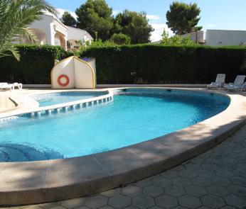 Zwembad en terras - Zwembad in het terras ...
